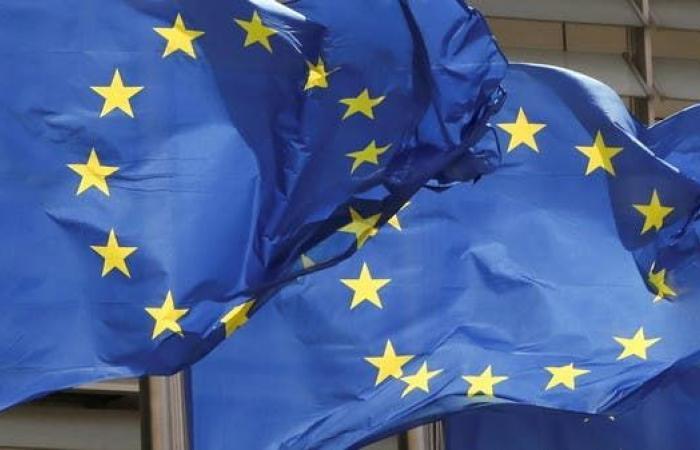 معنويات المستهلكين بمنطقة اليورو تقفز لأعلى مستوى منذ يناير 2018