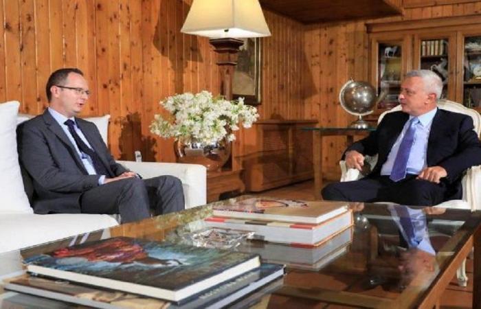 فرنجيه عرض الأوضاع الراهنة مع سفيري تركيا وتونس
