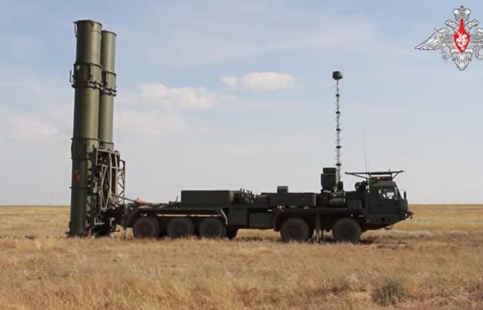 """روسيا تجري تجربة ناجحة على منظومة """"إس-500"""" الصاروخية"""