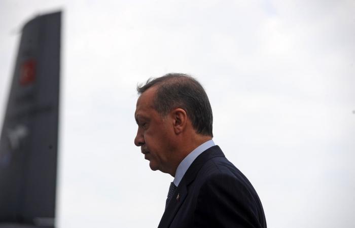 رجلا أعمال معارضان يلاحقان حكومة أردوغان من فرنسا