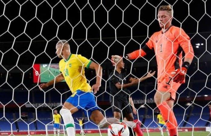 """""""هاتريك"""" ريتشارليسون يمنح البرازيل نقاط ألمانيا الصعبة"""