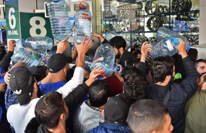 اقتصاد لبنان يدخل نفقا أكثر قتامة مع نفاد الوقود