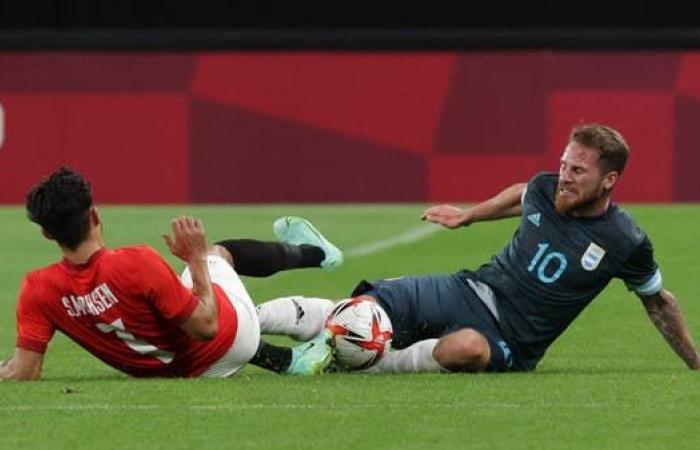 هدف ميدينا يمنح الأرجنتين نقاط مصر