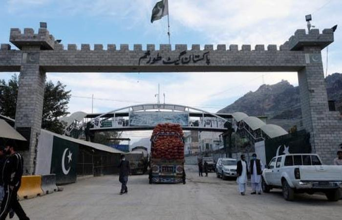 لجوء جنود أفغان لباكستان بعد فقدانهم السيطرة على موقع حدودي