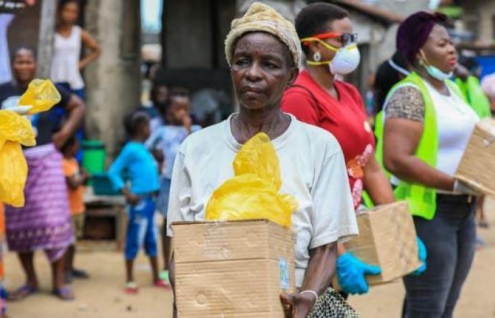 البنك المركزي: نيجيريا ستنهي مبيعات الدولارات إلى مكاتب الصرافة