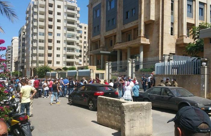 قطع السير عند ساحة عبد الحميد كرامي في طرابلس