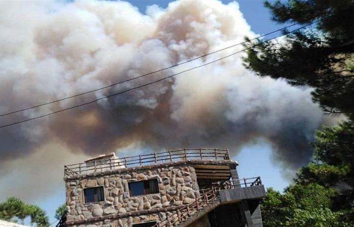 حريق كبير في القبيات.. والأهالي يناشدون الجيش التدخل (فيديو)