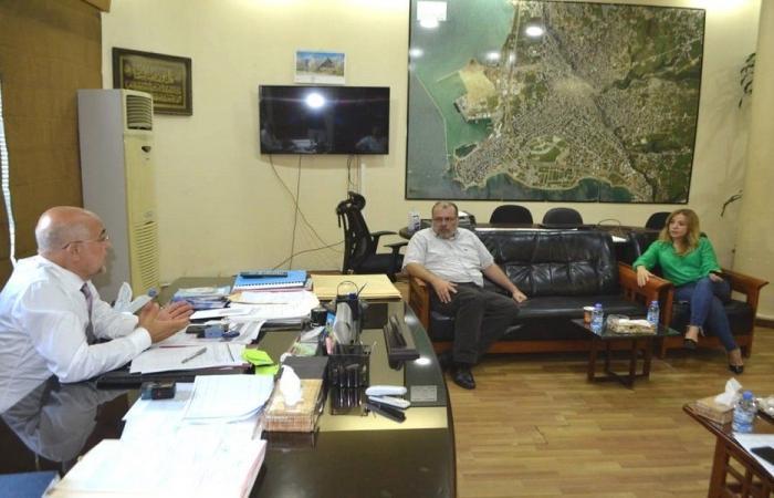 اجتماع ببلدية طرابلس لمعالجة التلاعب بأسعار المواد الغذائية