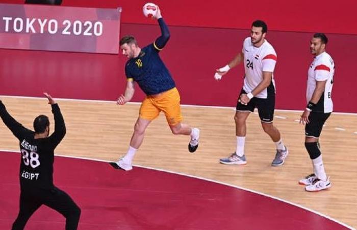 هنداوي يقود مصر إلى دور الثمانية في منافسات اليد