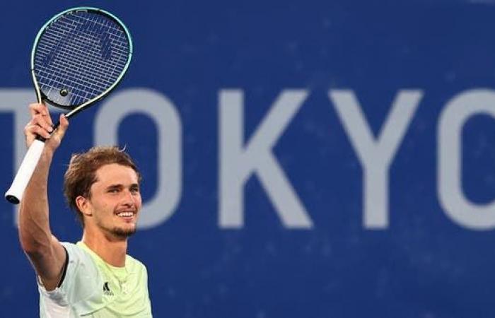 الألماني زفيريف يتوج بذهبية التنس