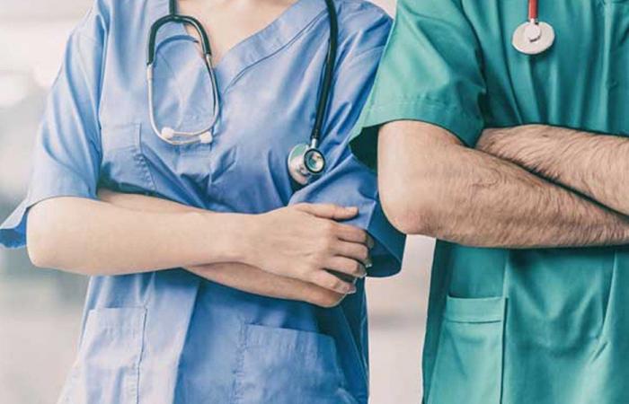 600 ممرض وممرضة إلى أحضان الأم الحنون