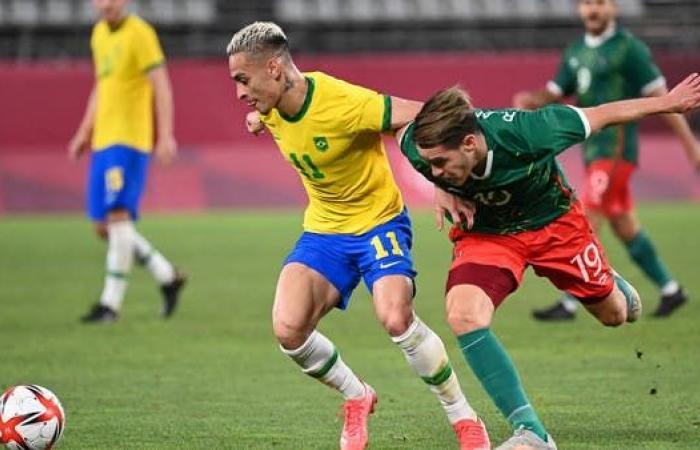 البرازيل تهزم المكسيك وتبلغ نهائي كرة القدم