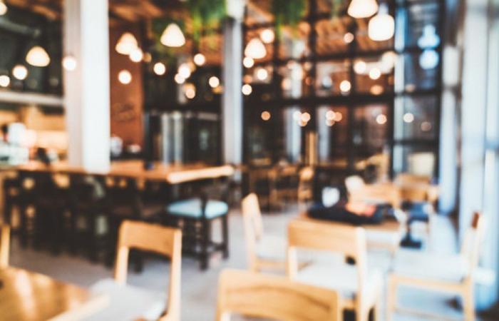 موظفو المطاعم والفنادق يعلنون الحداد الأربعاء
