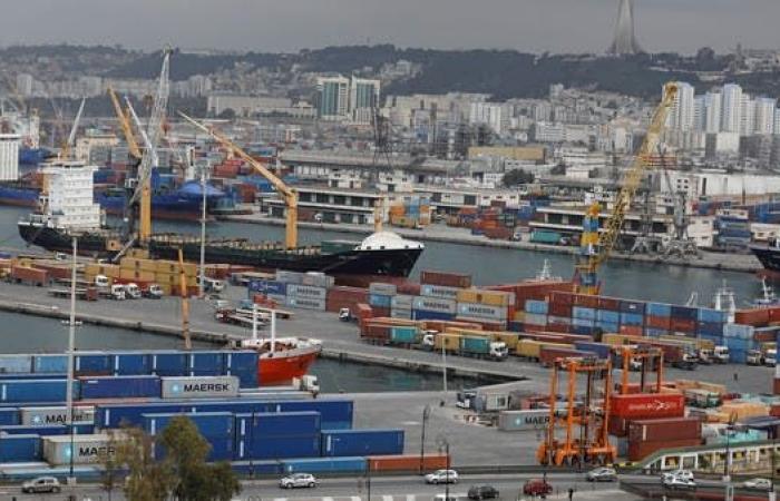 العجز التجاري في الجزائر يتراجع 88% منذ بداية العام