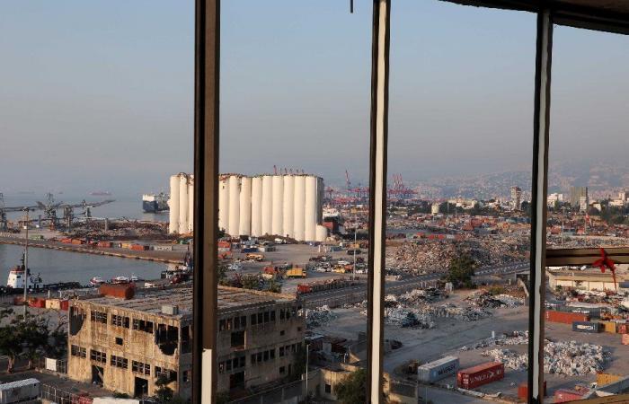 """إعادة إعمار مرفأ بيروت من أولويات """"الأشغال"""""""