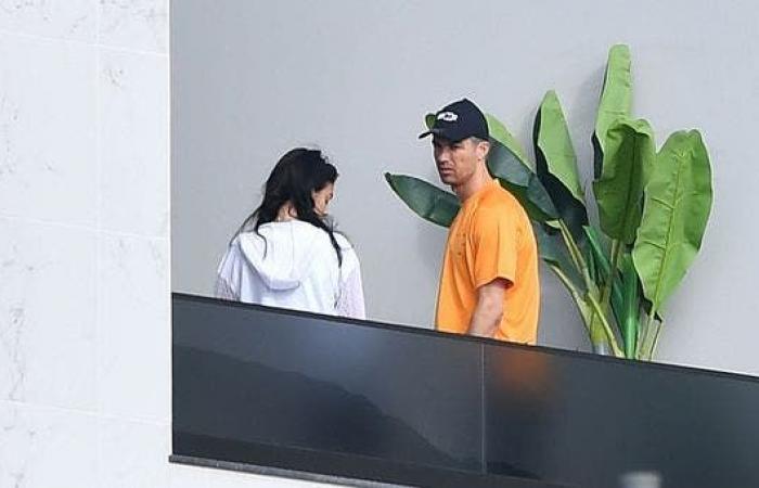 """""""الأغنام"""" تجبر رونالدو على تغيير منزله في مانشستر"""