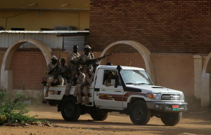 حكومة السودان: منفذو الانقلاب ضباط من نظام البشير