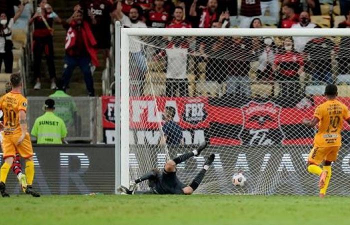 فلامنغو يقترب من نهائي ليبرتادوريس على حساب برشلونة