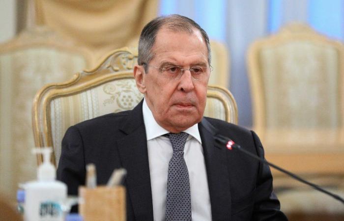 لافروف: روسيا تدعم سيادة سوريا
