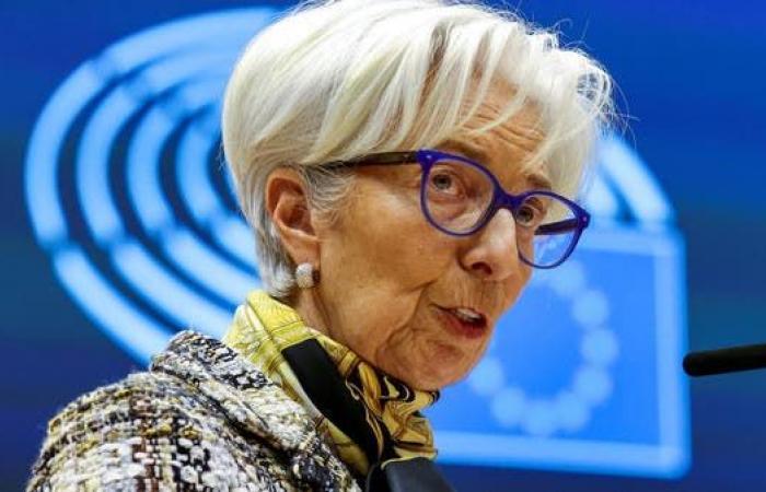 رئيسةالمركزي الأوروبي: التضخم سيستقر العام المقبل ومعظم الأسباب مؤقتة