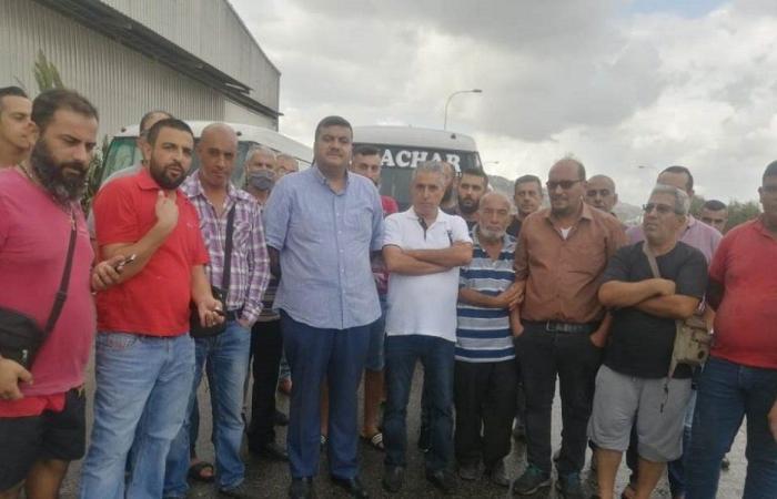 وقفة رمزية لسائقي الباصات في طرابلس… ومناشدة للدولة