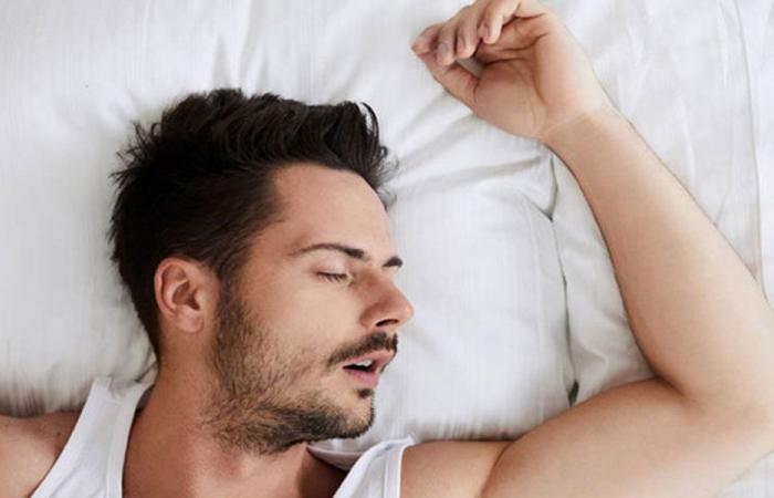 كم ساعة يحتاج الإنسان للنوم؟