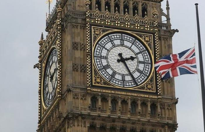 بريطانيا على أعتاب أزمة جديدة.. شح المواد الغذائية والوقود