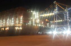 سفينة CMACGM CONGU الضخمة ترسو في مرفأ طرابلس