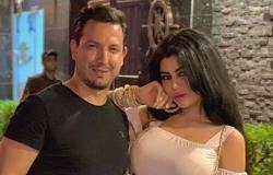 ملكة جمال سابقة تُشعل مواقع التواصل الاجتماعي بسبب تقبيل زوجها لقدمها!