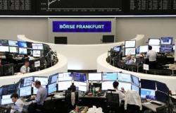 أسهم أوروبا تنخفض مع انحسار آمال استمرار المركزي الأميركي