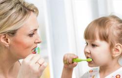 إحذري.. عدم تنظيف أسنان طفلك يعرّضه للإصابة بأمراض القلب