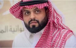 منصور الرقيبة يعلّق على مهاجميه بسبب انتقاده الاختلاط في السعودية!