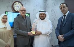 الخليج | الدكتور محمد الشيحة مكرماً من الريادة العربية