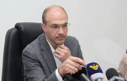 """وزير الصحة: """"بكفّي طيش شبعنا بطر"""""""