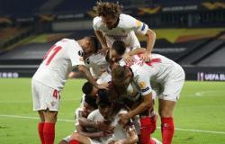 الدوري الأوروبي: إشبيلية يتأهل لمواجهة مانشستر يونايتد