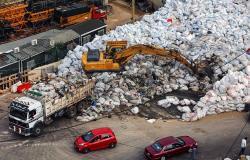 أزمة النفايات… الحل يبدأ الليلة!