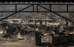 بتهمة حرق أكبر مخيم في أوروبا.. الحكم بسجن 4 أفغان